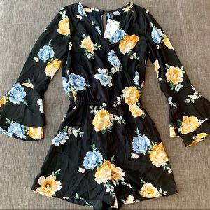 *NEW* H&M Long Bell Sleeve Floral Romper - sz 2